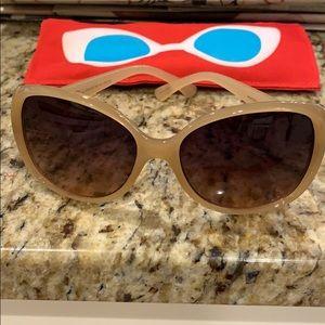 Oscar de la renta sunglasses, free cute case
